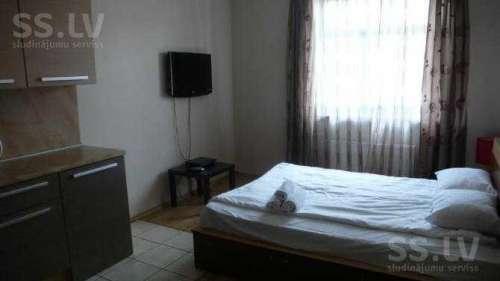 Hotel Eden  (21 gads)
